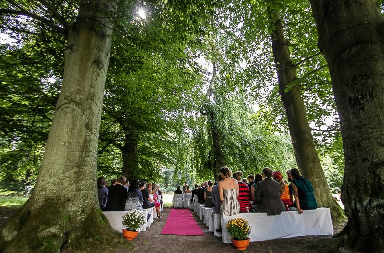 Beispiel: Trauung im Buchendom, Foto: Eventkirche Schloss Kröchlendorff.