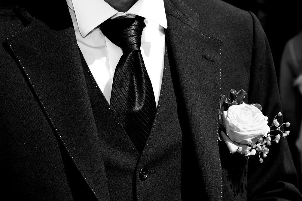 Costume sur mesure 3 pièces en flanelle avec cravate en satin de soie