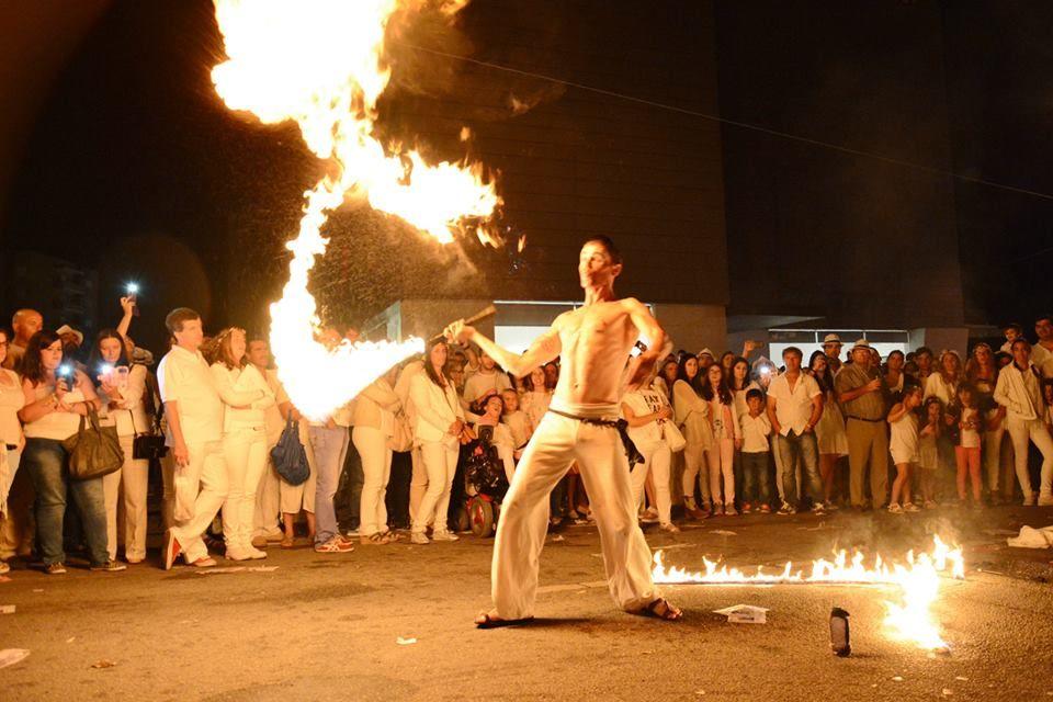 Mr.Milk - Espetáculos e Eventos  Performance de fogo