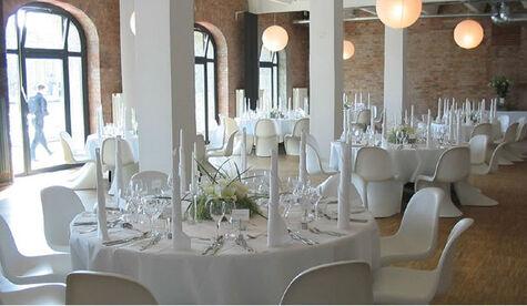 Beispiel: Hochzeitsgedeck, Foto: ich will! Hochzeiten & Events.