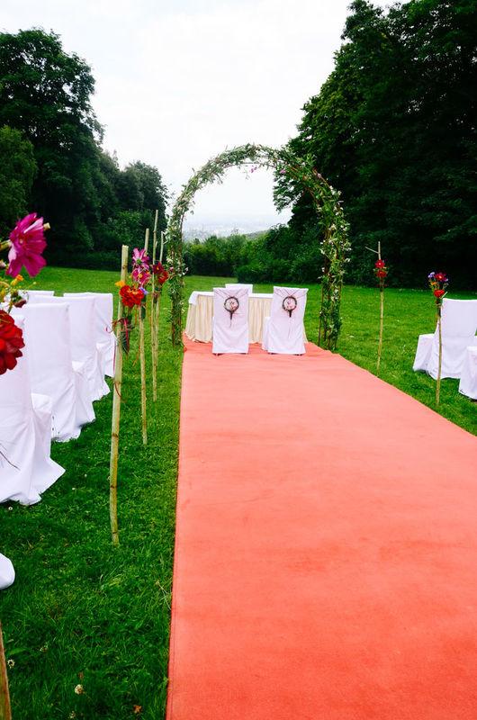 Beispiel: Blumen für die Hochzeitszeremonie, Foto: Blumenbar.