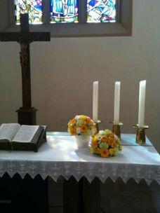 Beispiel: Kirchenschmuck, Foto: Tina Bergmann Blumenwerkstatt.