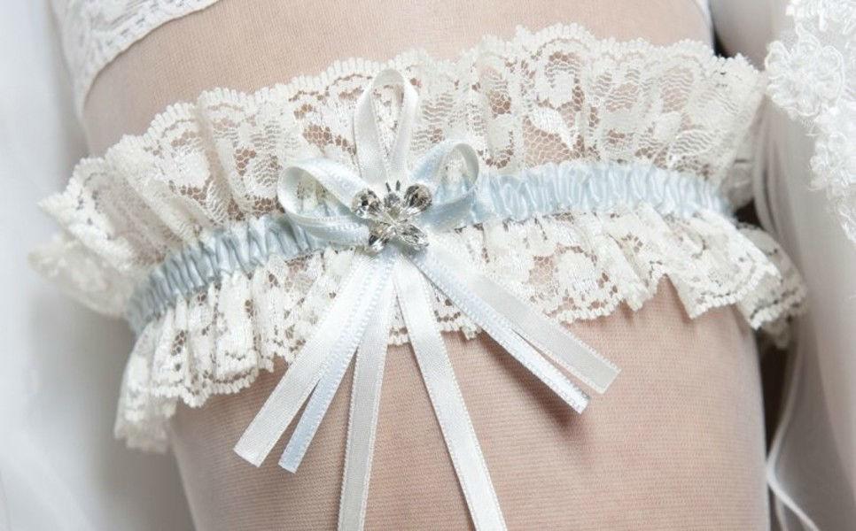 Beispiel: Strumpfband, Foto: Gina's Sposa.
