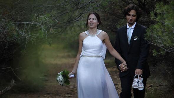 Postboda de Bea y Gonzalo. Paseo por el bosque.