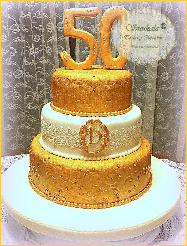 Torta Dorada 50 años Cake frutado al pisco acholado