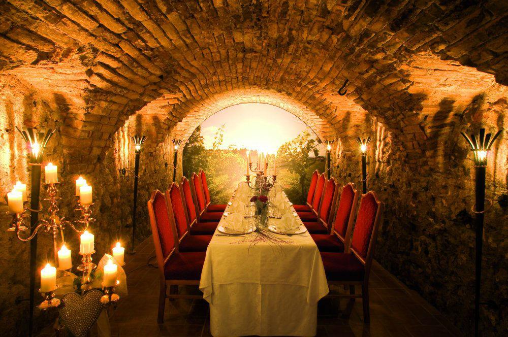 Beispiel: Weinkeller, Foto: Garten Hotel Maria Theresia.