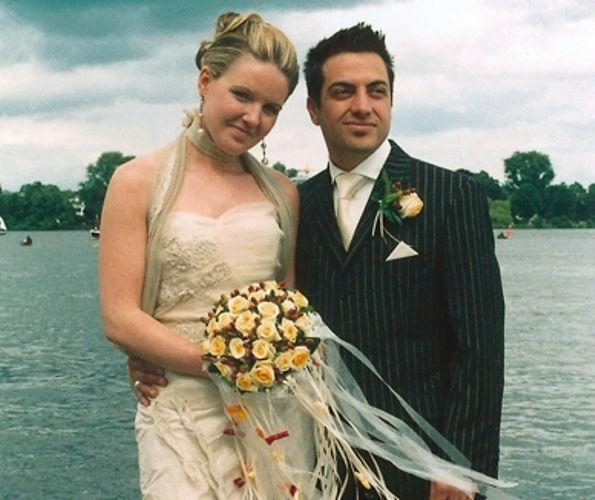 Beispiel: Glückliches Brautpaar, Foto: Sabine Zimmermann.