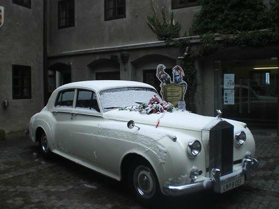Beispiel: Hochzeitsauto, Foto: Burg Oberkapfenberg.