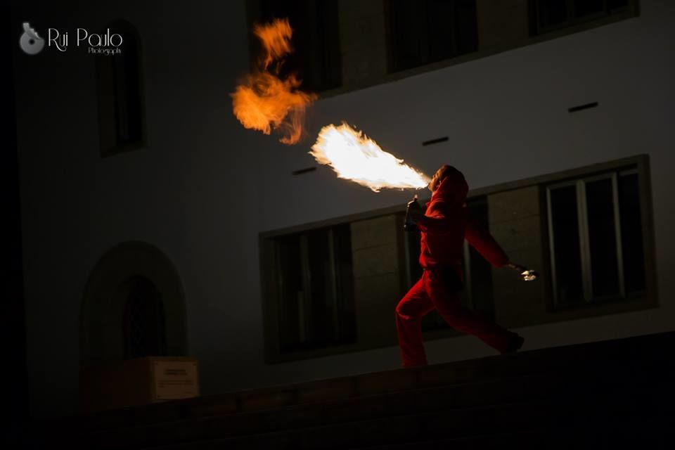 Cuspidores de fogo