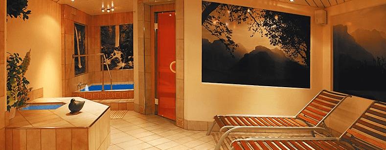 Beispiel: Wellness-Bereich, Foto: Romantik Hotel Säntis.