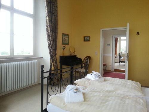 Beispiel: Zimmer 2.11 im 2.OG im Schloss, Foto: Schloss Weiterdingen.