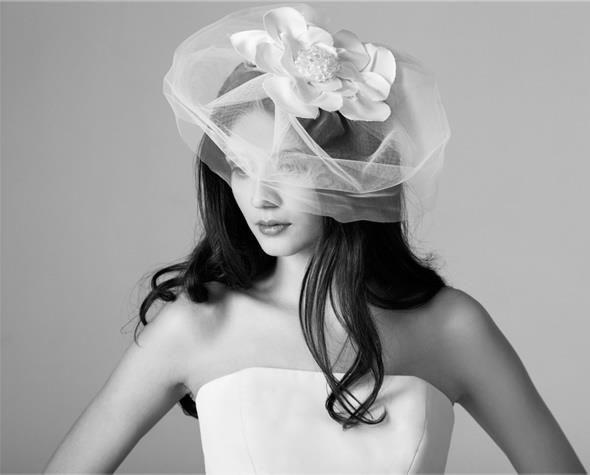 Beispiel: Kopfbedeckung für die Braut, Foto: Brautatelier Tara.