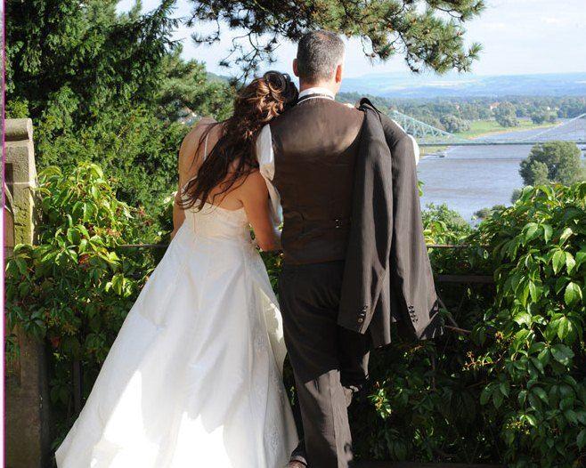 Beispiel: Hochzeitspaar Ausblick, Foto: Schloß Eckberg.