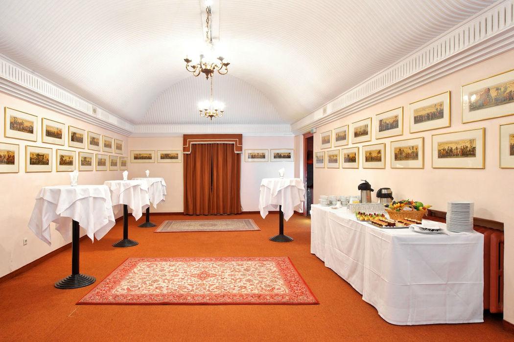 Beispiel: Salon Elisabeth, Foto: Hotel Regina.