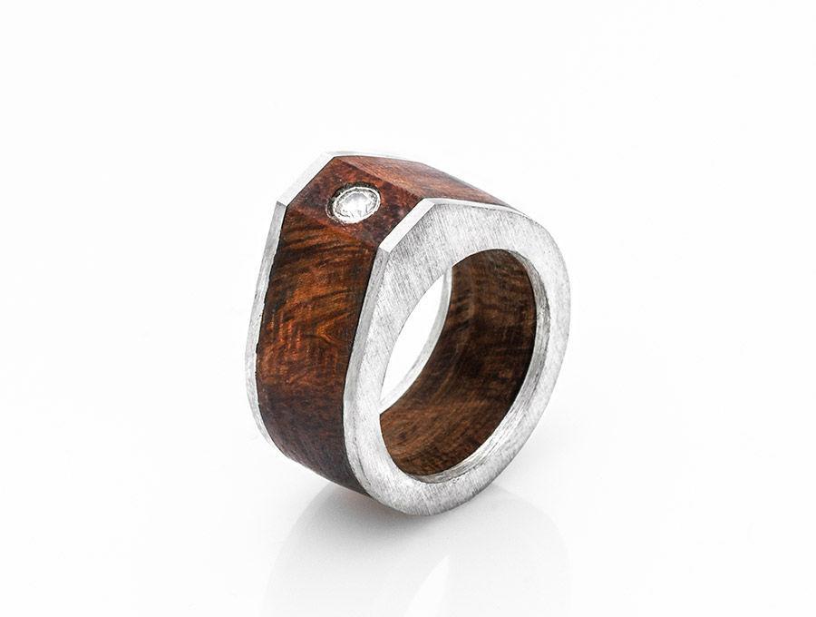 Beispiel: Ringdesign, Foto: GoldMond.