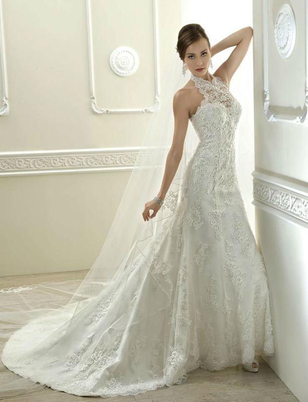 Beispiel: Wunderschöne Brautmode, Foto: White Lounge.