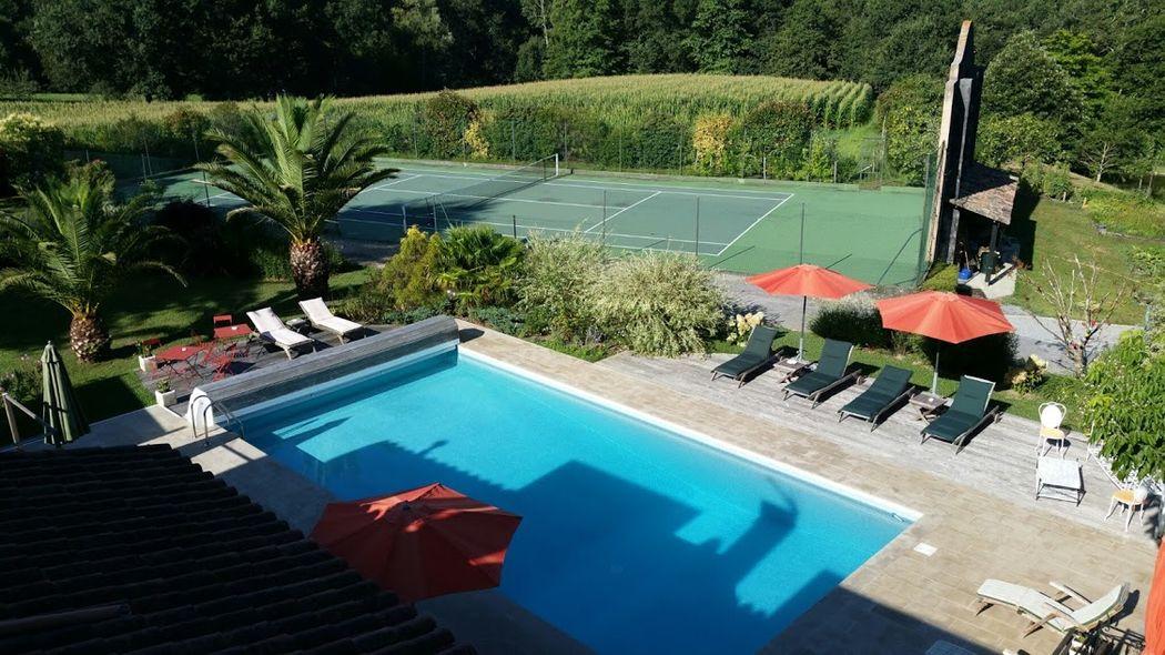 Domaine de Millox, vue piscine et tennis