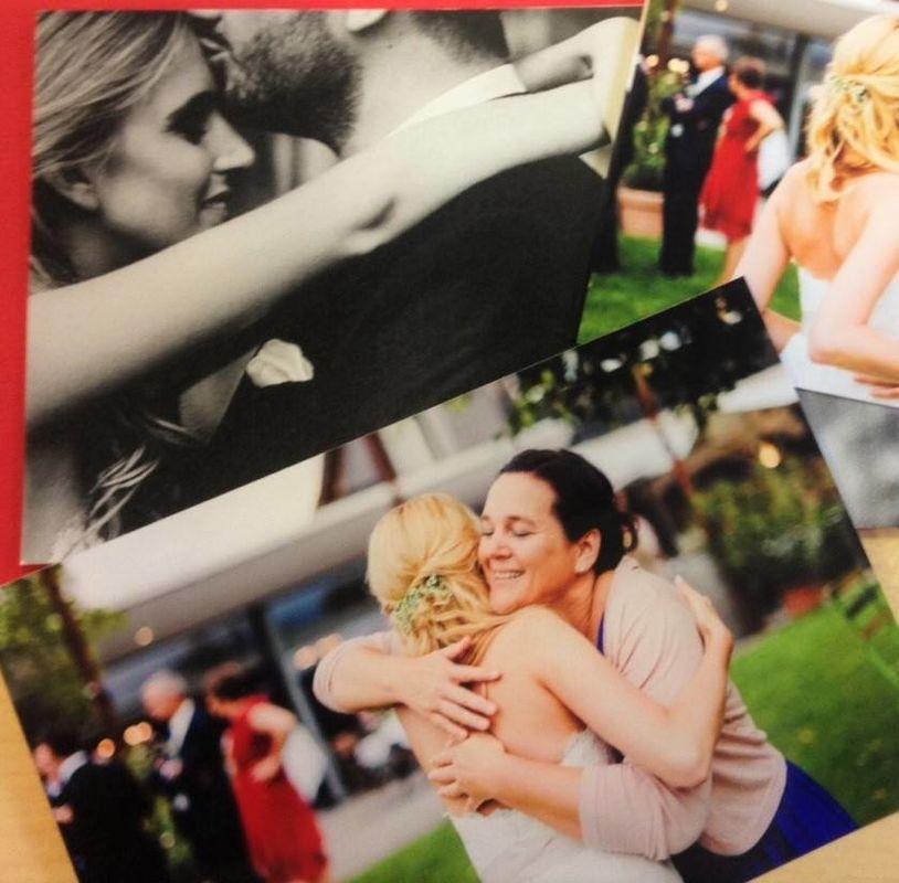 Die Emotionen nach der Zeremonie auf einen Blick. Ich liebe dieses Bild (Foto: Caroline Dyer-Smith)