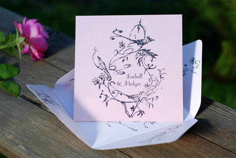 Beispiel: Papierkunst zur Hochzeit, Foto: Die exklusiven Einladungskarten.