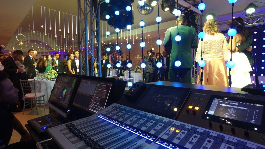 El mejor sonido e iluminación en la boda de Lina & Dario.
