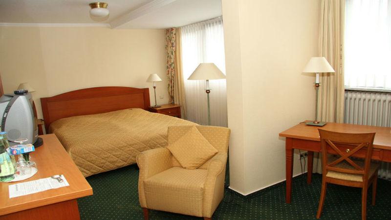 Beispiel: Zimmer, Foto: Hotel zur Post.