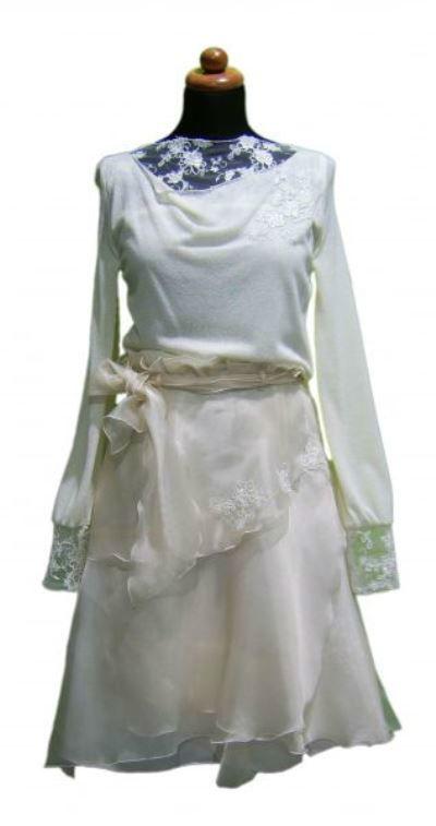 Beispiel: Einzigartige Kleider, Foto: Orangejus Couture.