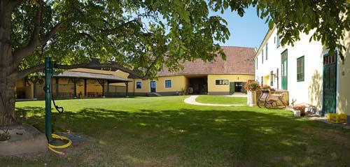 Beispiel: Außenbereich, Foto: Schloss Urschendorf.