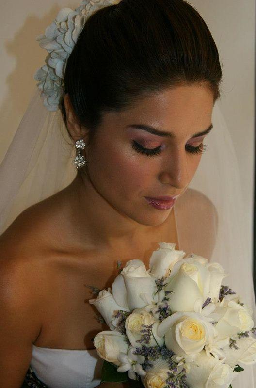 Novia Paola Arce.