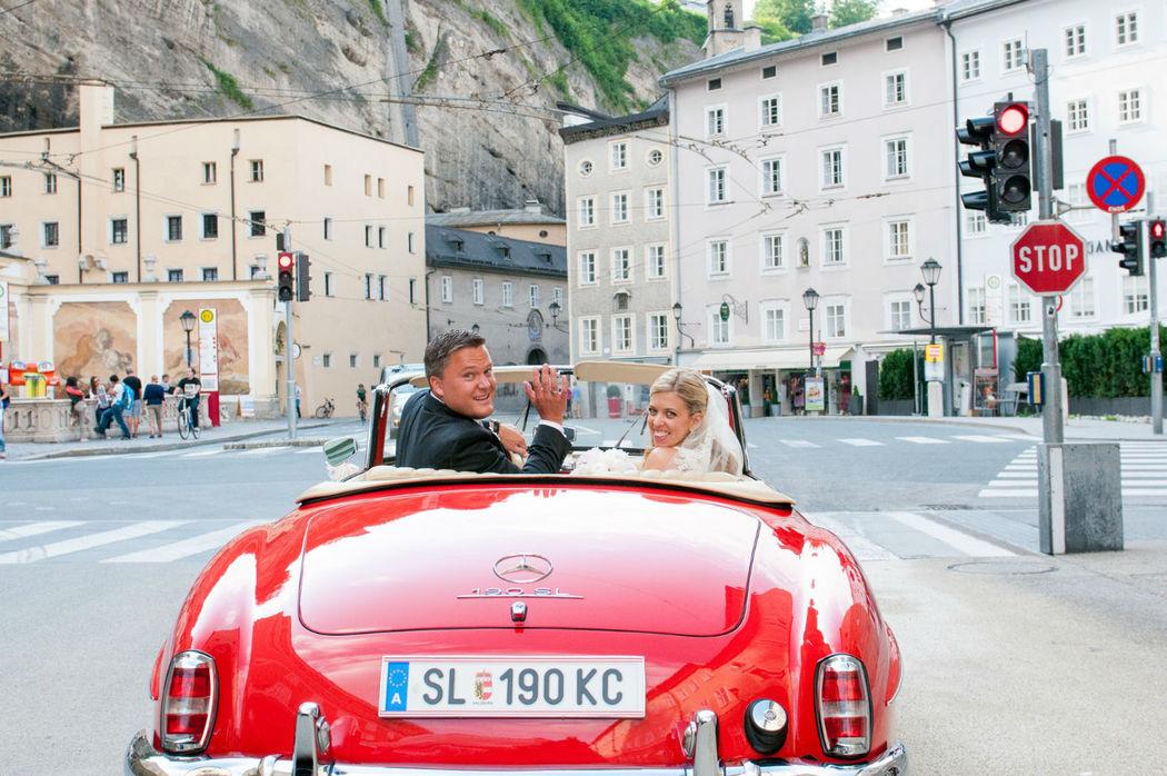 Hochzeitslimousine Salzburg Oldtimer Hochzeit - Organisation Prime Moments - Foto Beatrice Contrini