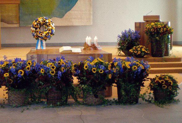 Beispiel: Blumendekoration für die Trauung, Foto: Blumenzauber.
