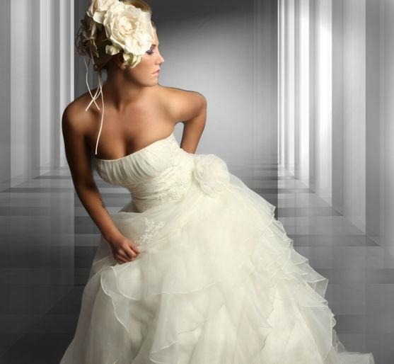 Beispiel: Ihr individuelles Brautkleid, Foto: Eliyzi Couture Berlin.