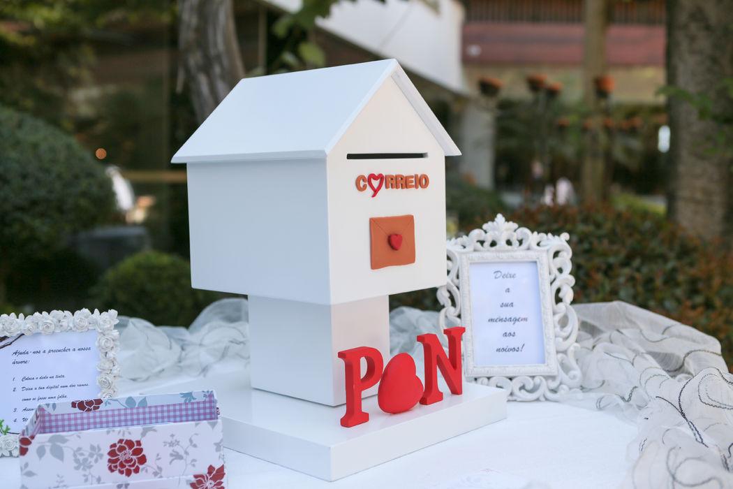 Caixa do correio para as mensagens aos noivos - casamento da Patrícia e do Nelson