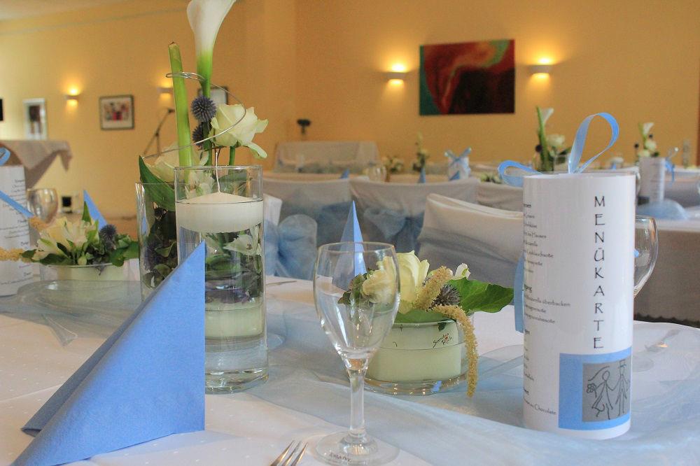 Beispiel: Bankett - Tischdekoration, Foto: Restaurant Zur Tennisterrasse.