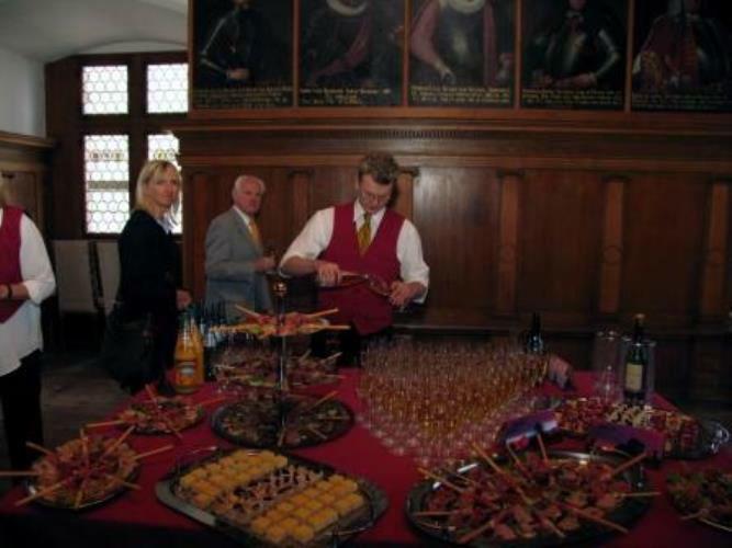 Beispiel: Hochzeitscatering, Foto: Fürstliche Waldburg.