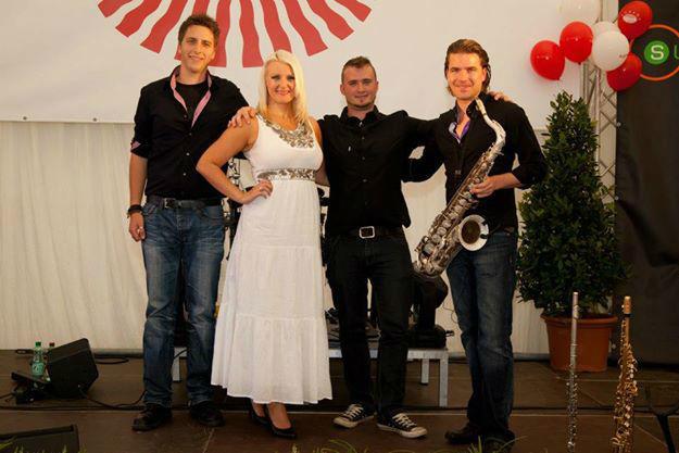 Beispiel: Band, Foto: Sunny Hills.