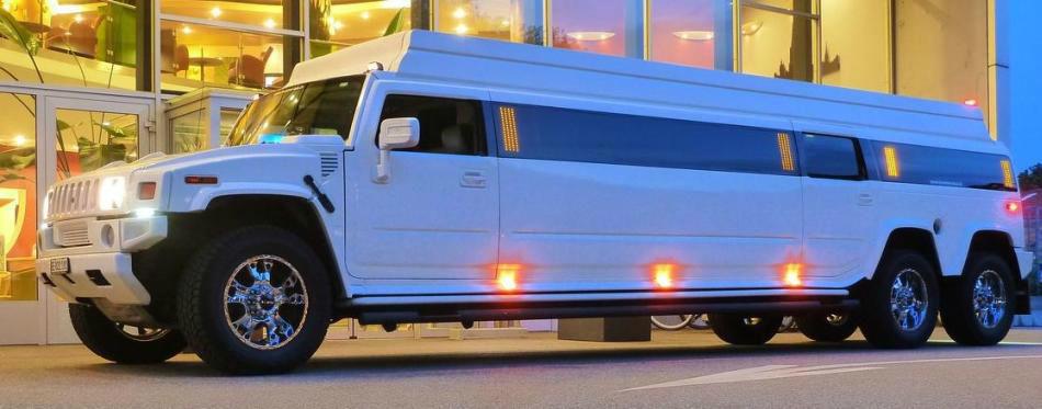 Stretch-Hummer, 16 Plätze,  Foto: CAPITAL-PHOTO.CH