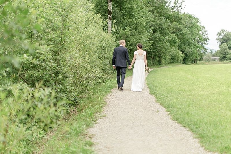 Brautpaar Hand in Hand together in love Hochzeit