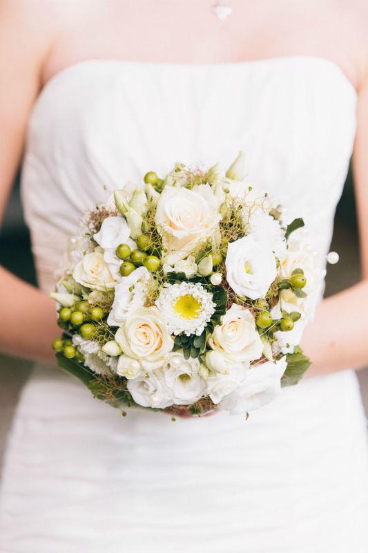 Beispiel: Brautstrauß, Foto: Blumenbinderei.