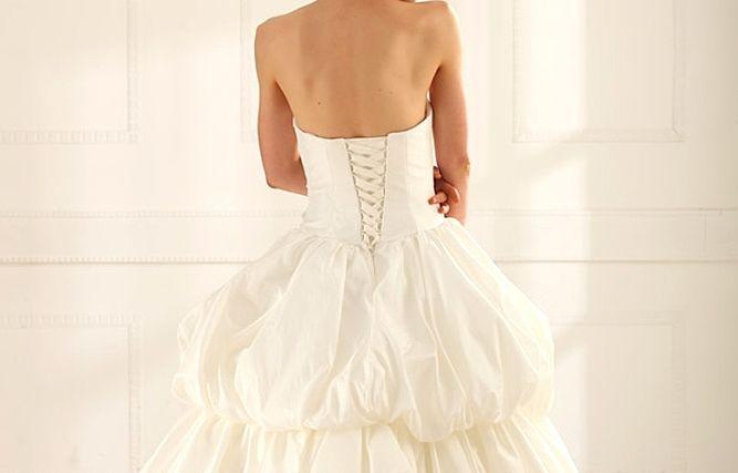 Beispiel: Brautkleid Pure 09, Foto: Loreley - Dresses for the Moment.