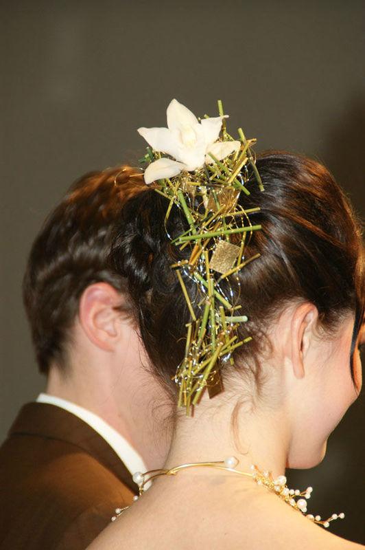 Beispiel: Blumen fürs Haar, Foto: Sandra's Blütenzauber.