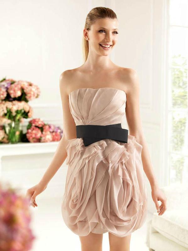 Beispiel: Ihr Cocktailkleid, Foto: Brautsalon Flossmann Festmode.