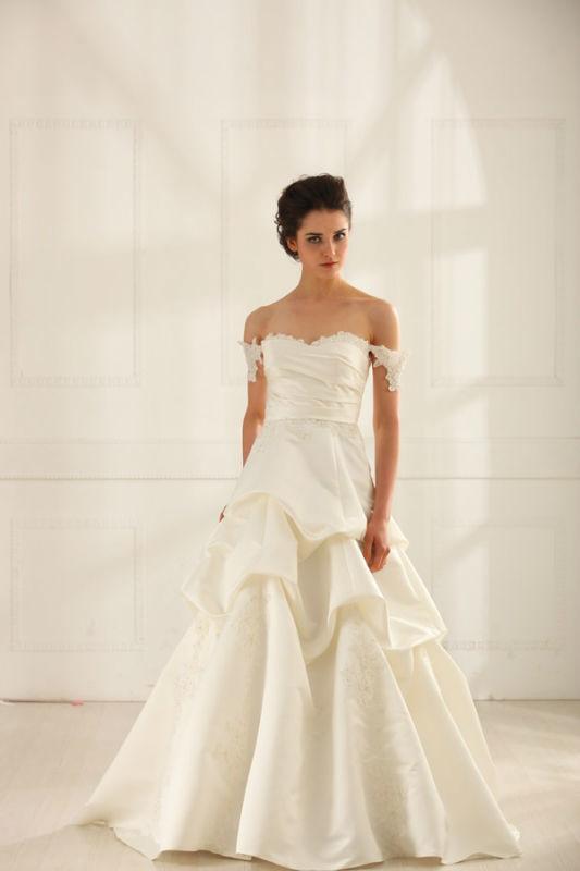 Beispiel: Brautkleider mit Stil, Foto: Prinzessin Brautmode.