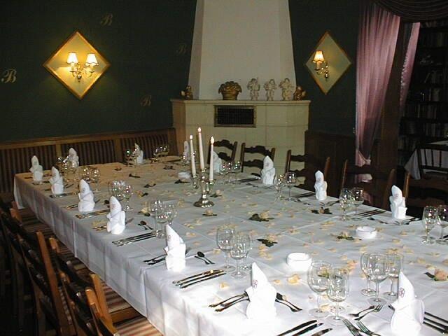 Beispiel: Hochzeitstafel, Foto: Landgut Buschmühle.