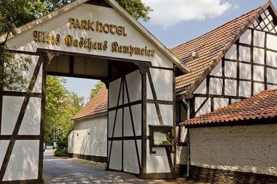Beispiel: Einfahrt, Foto: Parkhotel am Heger Holz.