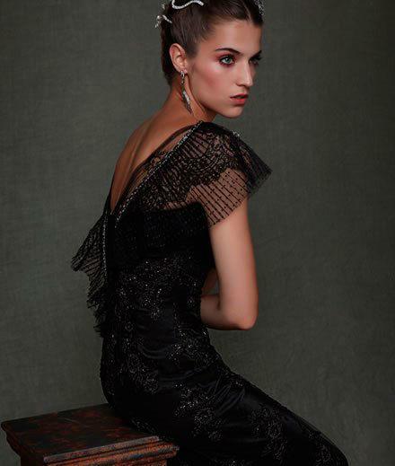 Beispiel: Einzigartige Kleider, Foto: Zoro Fashion.