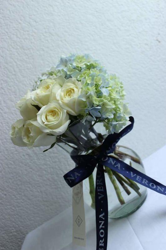 Rímini (rosas y hortencias)