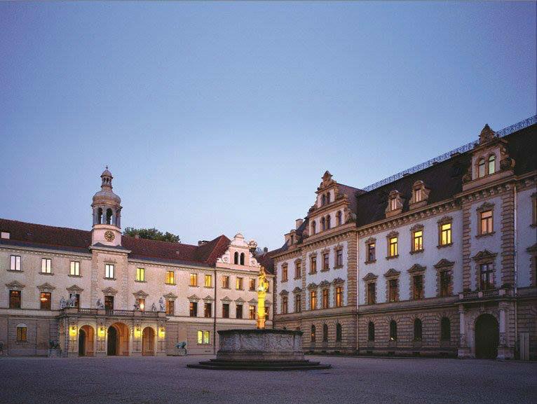 Beispiel: Hofansicht, Foto: Thurn und Taxis Schloss St. Emmeram.