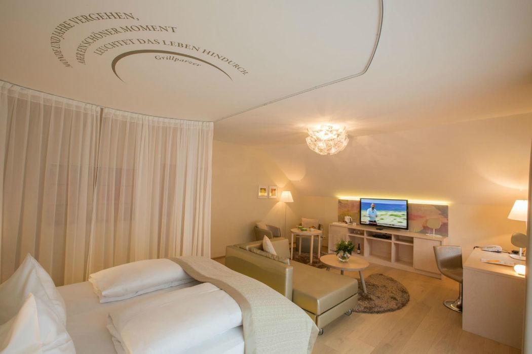 Beispiel: Zimmer - Honeymoonsuite, Foto: Hotel Krainerhütte.