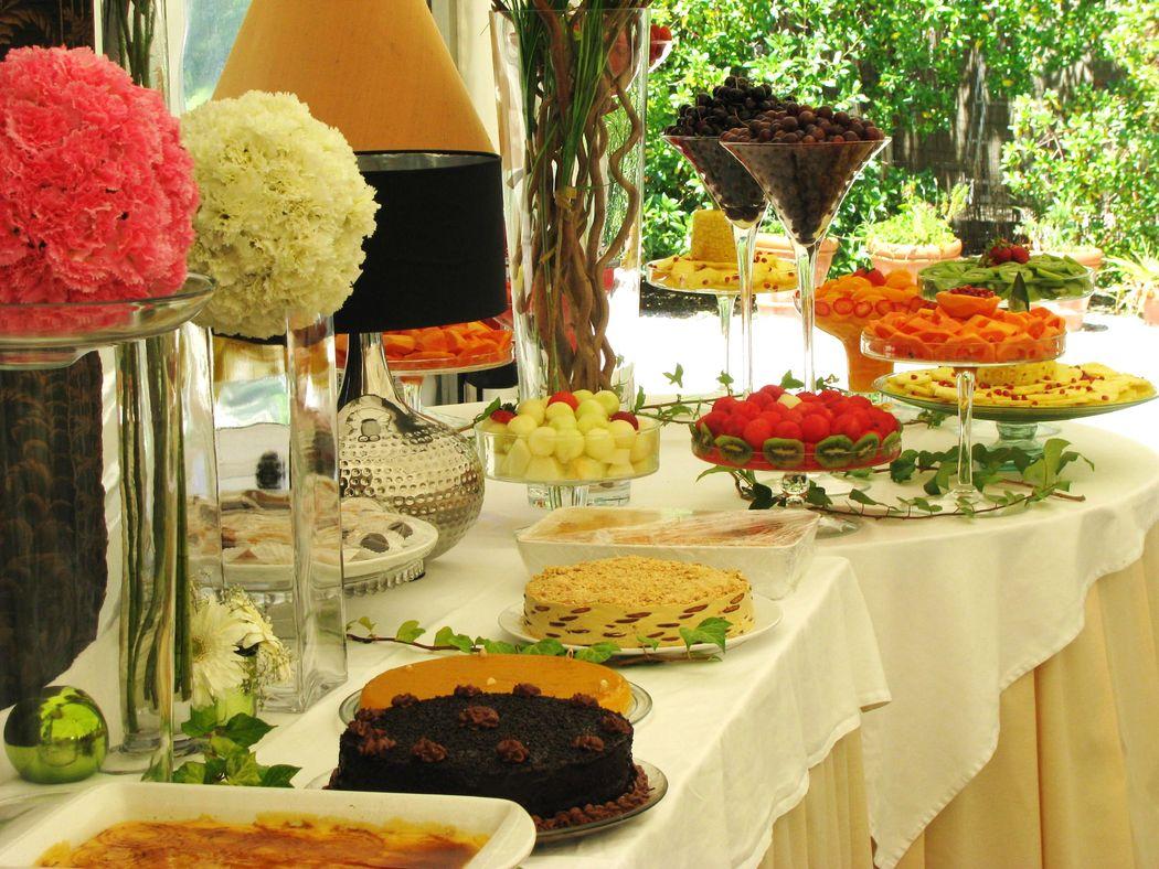 Mesa de Doces e Frutas