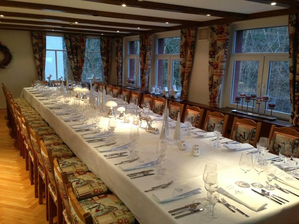Beispiel: Tischdekoration, Foto: Waldgasthaus & Hotel Stiefelburg.